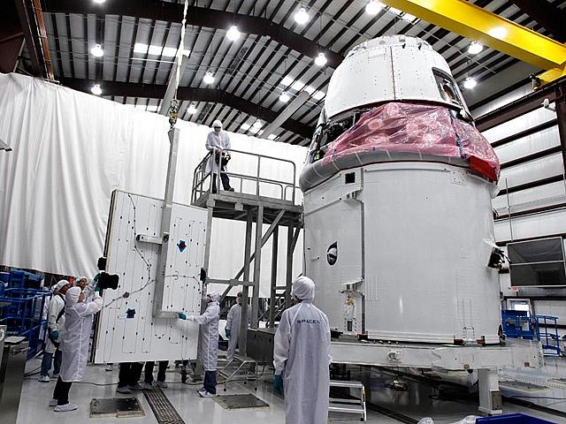 Falcon 9 / Dragon COTS-2: Préparatifs (Lancement le 19.05.2012 ) - Page 3 Sans_625