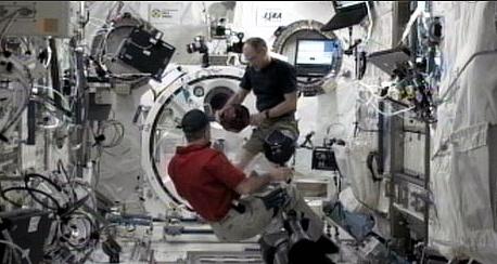 [ISS] Expédition 30: déroulement de la mission - Page 4 Sans_647