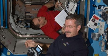 [ISS] Expédition 30: déroulement de la mission - Page 5 Sans_668