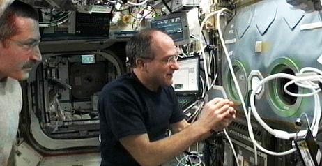 [ISS] Expédition 30: déroulement de la mission - Page 5 Sans_692
