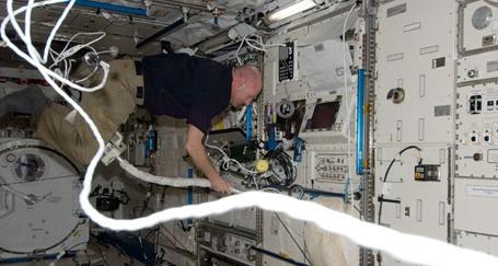 [ISS] Expédition 30: déroulement de la mission - Page 6 Sans_721