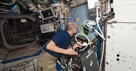 [ISS] Expédition 30: déroulement de la mission - Page 6 Sans_793