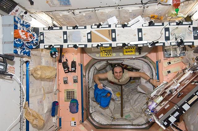 [ISS] Expédition 30: déroulement de la mission - Page 7 Sans_799