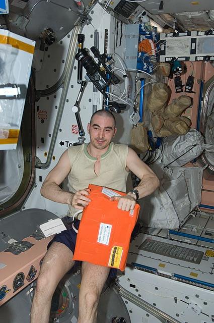 [ISS] Expédition 30: déroulement de la mission - Page 7 Sans_801