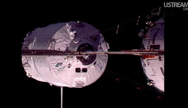 ATV-3: Amarrage, mission et fin de mission - Page 2 Sans_838