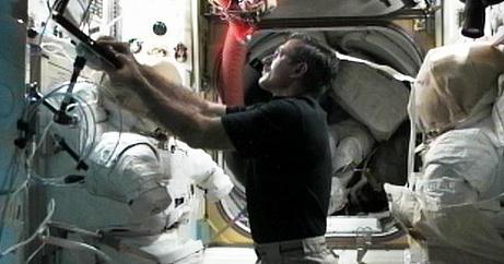 [ISS] Expédition 30: déroulement de la mission - Page 7 Sans_856