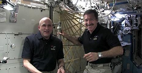 [ISS] Expédition 30: déroulement de la mission - Page 8 Sans_881