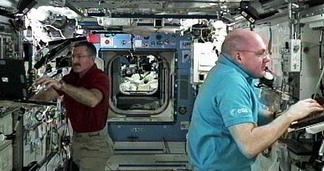 [ISS] Expédition 30: déroulement de la mission - Page 8 Sans_917