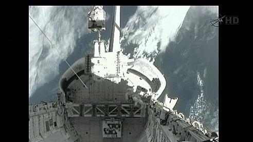 [STS-135] Atlantis: Déroulement de la mission.   - Page 3 Sans_t36