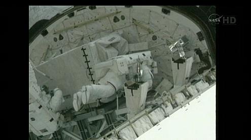 [STS-135] Atlantis: Déroulement de la mission.   - Page 3 Sans_t37