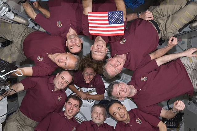 [STS-135] Atlantis: Déroulement de la mission.   - Page 4 Sans_t63