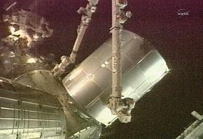 [STS-135] Atlantis: Déroulement de la mission.   - Page 5 Sans_t64
