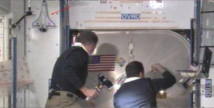 [STS-135] Atlantis: Déroulement de la mission.   - Page 5 Sans_t67
