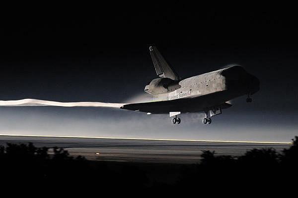 [STS-135] Atlantis: Retour sur terre, 21/07/2011. - Page 7 Sans_t75