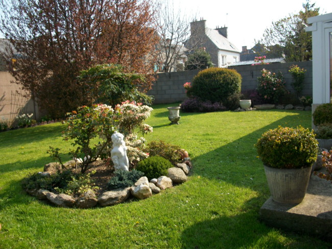 emeraude coté jardin Imgp0122