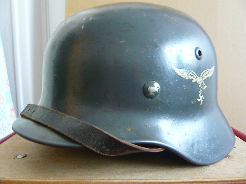 Les casques de la Luftwaffe P1070811