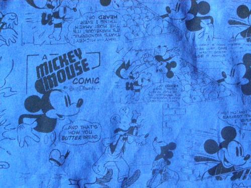 Les produits dérivés Disney - Page 2 P1120113