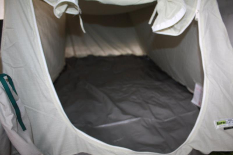 chambre - Chambre sous plateau caravane pliante Img_7721
