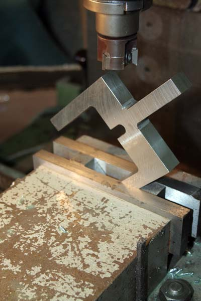 Fabrication d'un appareil à tourner les sphères Angle410