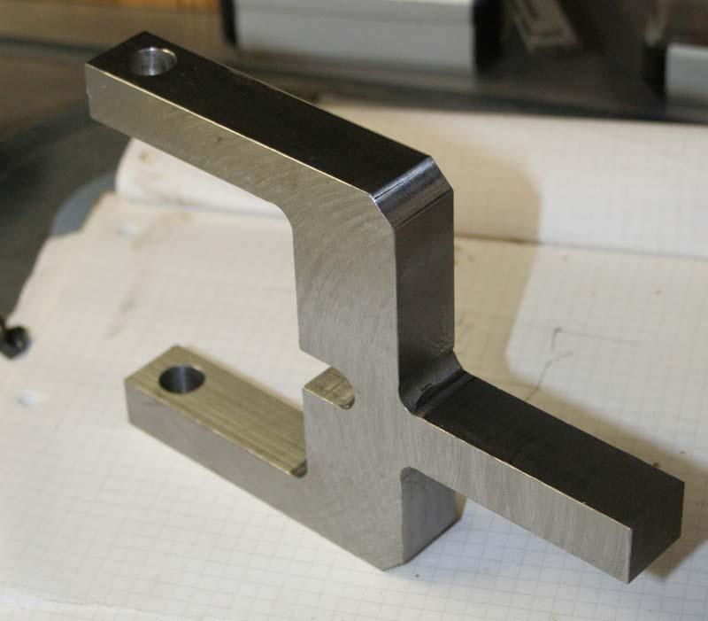 Fabrication d'un appareil à tourner les sphères Etrier10
