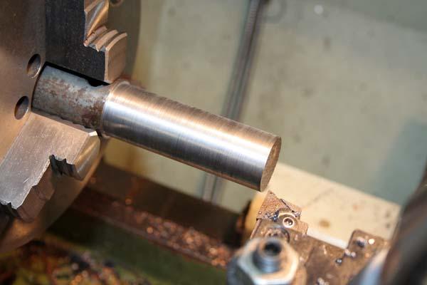 Fabrication d'un appareil à tourner les sphères Tete110