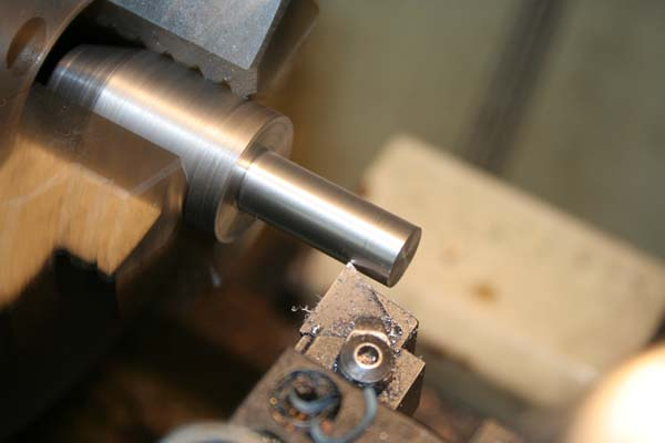 Fabrication d'un appareil à tourner les sphères Tete410