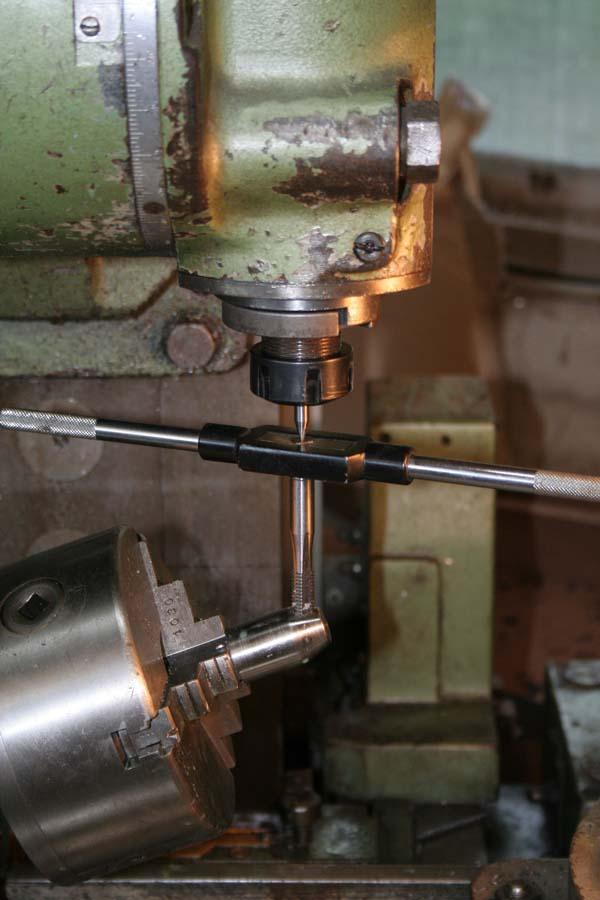 Fabrication d'un appareil à tourner les sphères Tete610