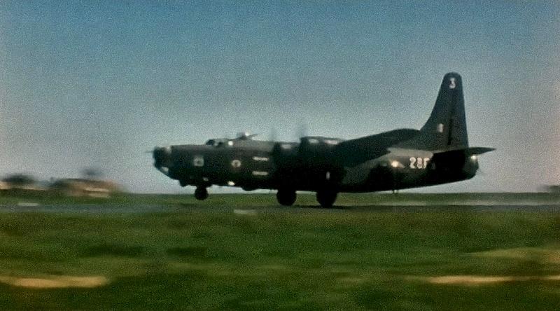 [Les anciens avions de l'aéro] Consolidated PB4Y-2 Privateer - Page 2 28f-3_10