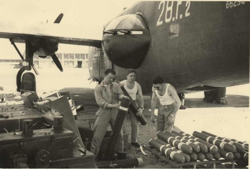 [Les anciens avions de l'aéro] Consolidated PB4Y-2 Privateer - Page 2 Karoub13
