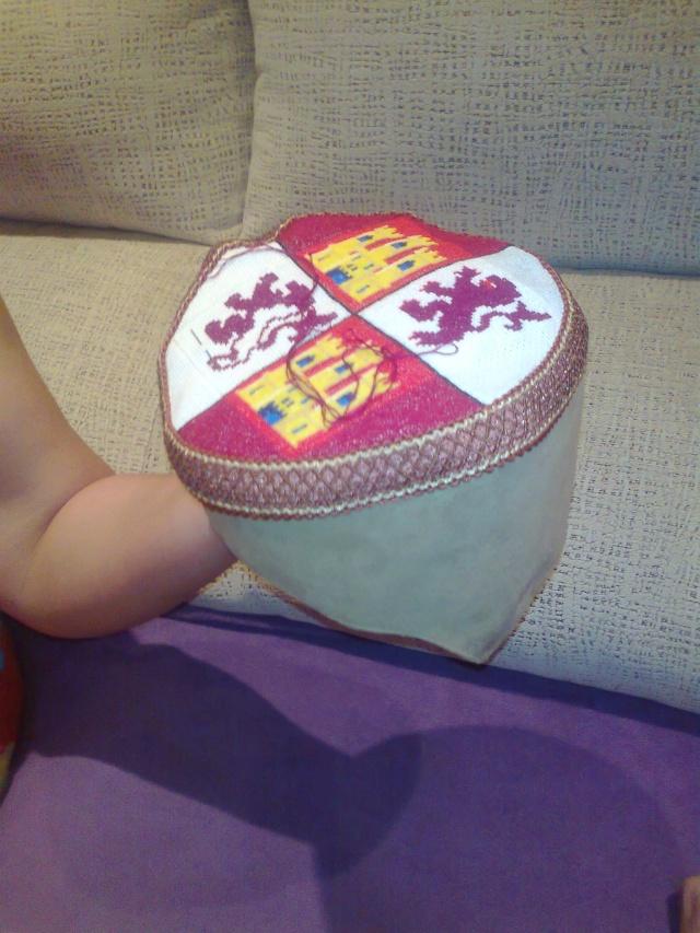 Capiello bordado Heraldica Castellano leonesa Foto0410