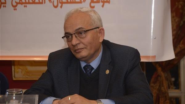 رئيس قطاع التعليم العام بوزارة التربية والتعليم، يوجه موجهي العموم للدراسات الاجتماعية على مستوى الجمهورية لإعداد ثلاث اختبارات 22010