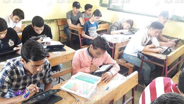 التعليم تعلن تفوق سيستم أولى ثانوى 425 ألف طالب يمتحنون إلكترونيا في الفترة الصباحية فى مادة التاريخ 36410