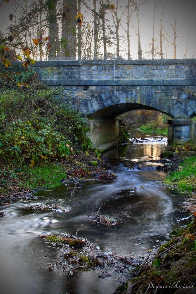Pont et cours d'eau P_000110