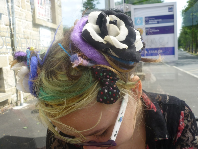 Vos essaies en coiffeure! P1170018