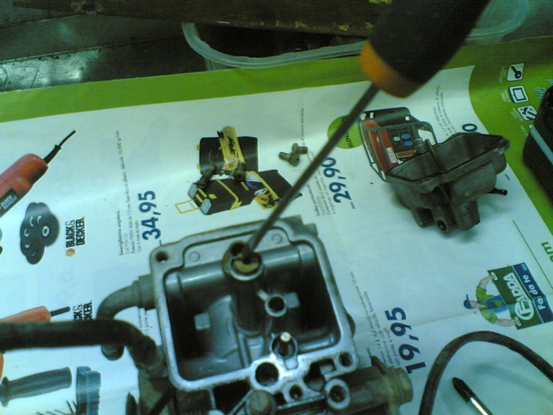 Pulire il carburatore BST 33 21102032