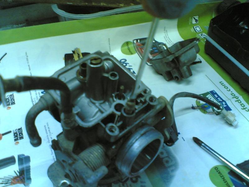 Pulire il carburatore BST 33 21102034