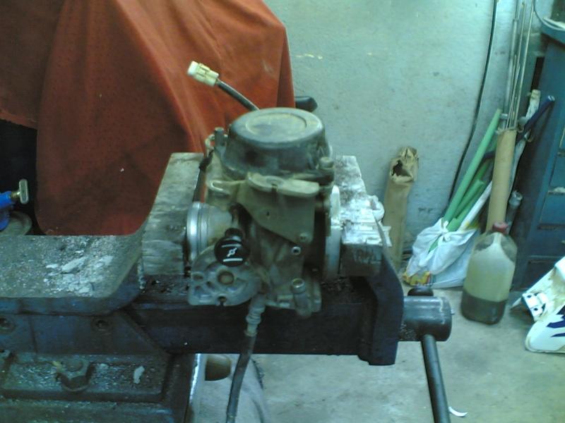 Pulire il carburatore BST 33 21102037