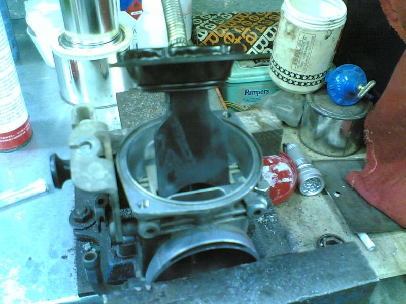 Pulire il carburatore BST 33 21102038