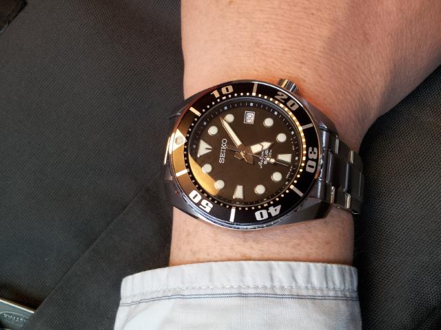 Choix montre pour quelqu'un qui n'y connait pas grand' chose en montres de plong - Page 3 2012-010