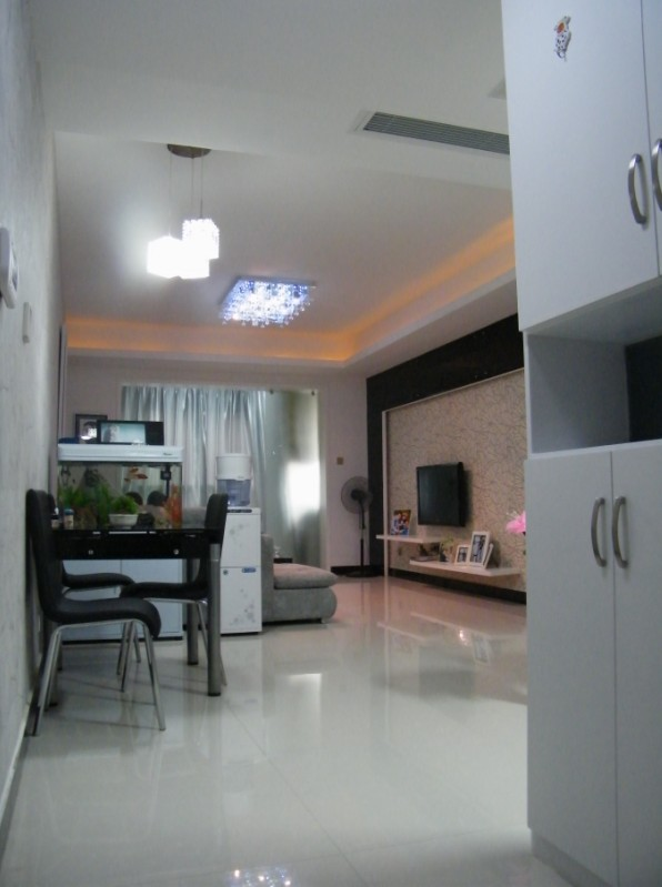 素颜酷我客餐厅·温馨舒适的卧室——现代简约之旅 U9q26r10