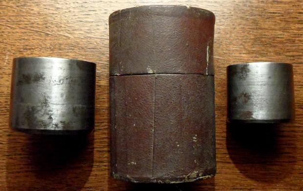 Des matrices de boutons d'uniforme - année 1871. Sam_2311