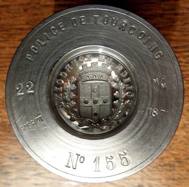 Des matrices de boutons d'uniforme - année 1871. Sam_2314