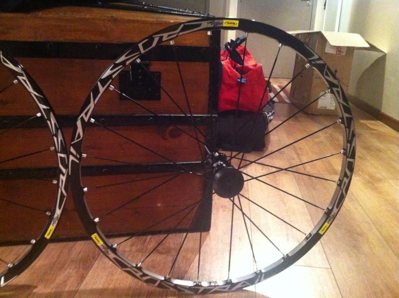 Paire de roues Mavic Crosstrail Img_1517