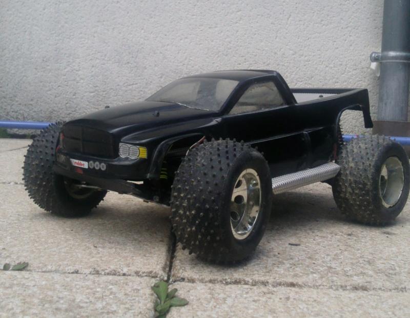 nouveaux SCX10 Dodge.... enfin nouveau... la carrosserie au moins ! :D Photo015