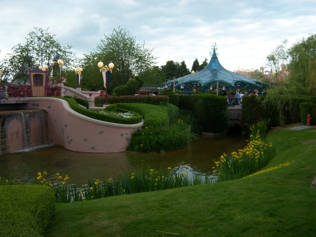 Les Jardins, Les Fleurs et l'Eau au DLP Disney70