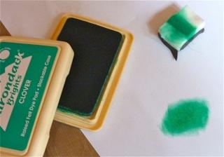 Fond de page complet: mask et encres aquarellables à encreur P1090834