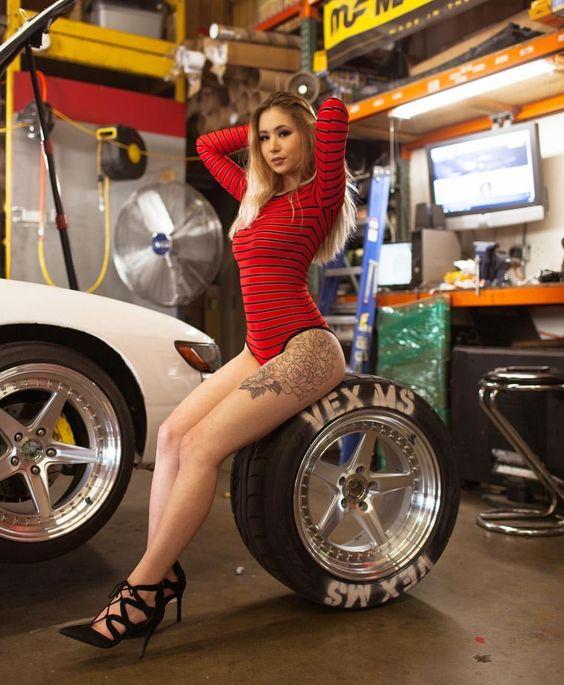 Les Jolies Femmes et l'Automobile XIV -10fc110