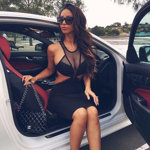 Les Jolies Femmes et l'Automobile XIV - Page 2 -sexyg70