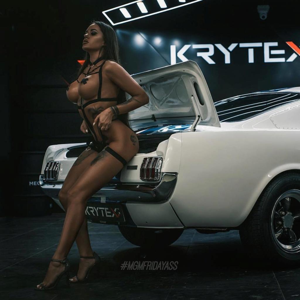 Les Jolies Femmes et l'Automobile XIV - Page 3 -tumbl47
