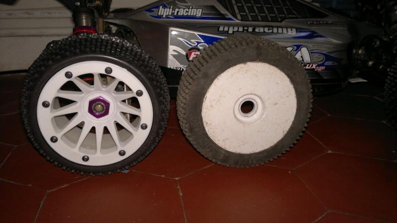 """Des pneus plus large sur leur buggy 1/8 3.2"""" au lieu de 2.2"""" sans colle 20012026"""